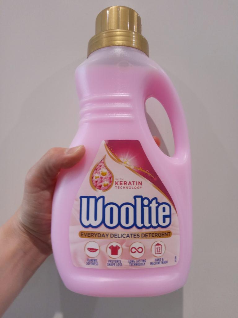 液体洗濯洗剤のボトル